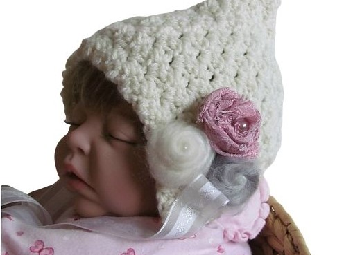 A Beautiful Bonnet For Baby – Free Crochet Pattern