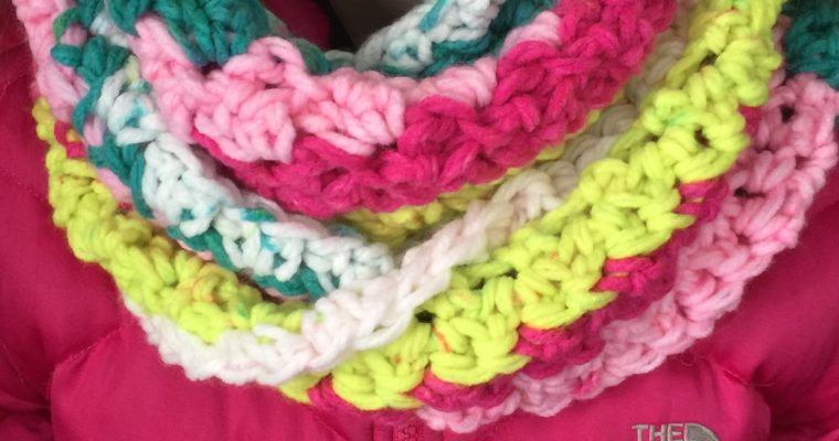 Unicorn Tracks Infinity Scarf – Free Crochet Pattern